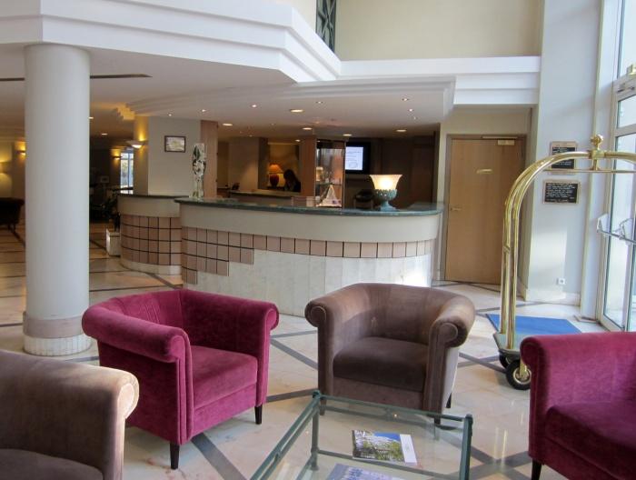 LOBBY HOTEL LES CELESTINS***** : Lobby avant
