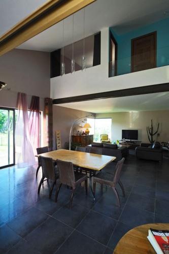 Maison contemporaine bois & béton : 08_VANE