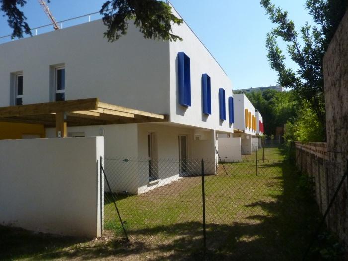 Création de 12 logements : P1100756 réduite